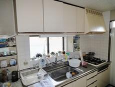 明るく使いやすく収納力のあるキッチンへ!
