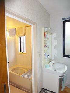洗濯物を乾かすのにとても便利な浴室暖房乾燥機!