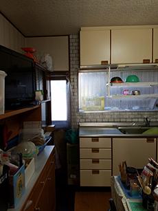 仕様にも費用にもこだわったナチュラルな キッチンで気分も明るく!