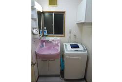 可愛らしい色の空間で、使いやすいお風呂ににっこり!