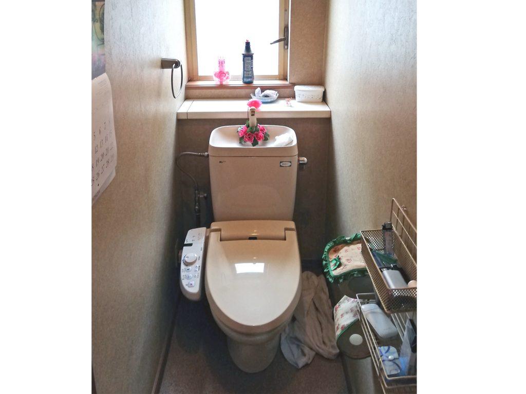 内装も張り替えて、明るいトイレになりました!