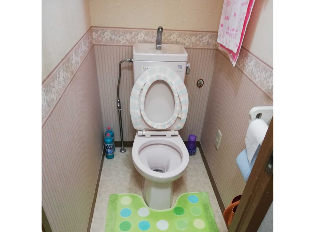 オケゲンショールームにてトイレを選んでいただきました