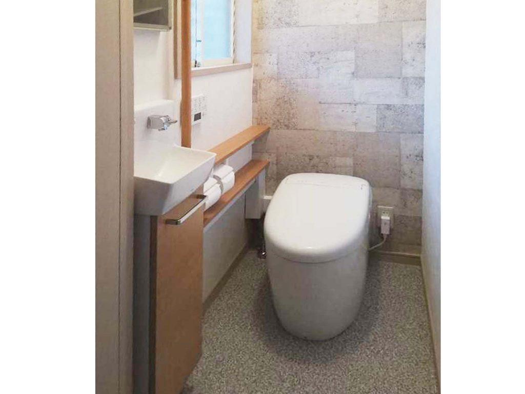 タンクレスでトイレ空間すっきり♪