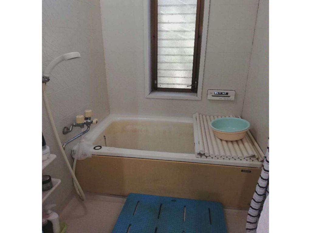 使い勝手を考えて、浴室窓も一緒にリフォーム♪