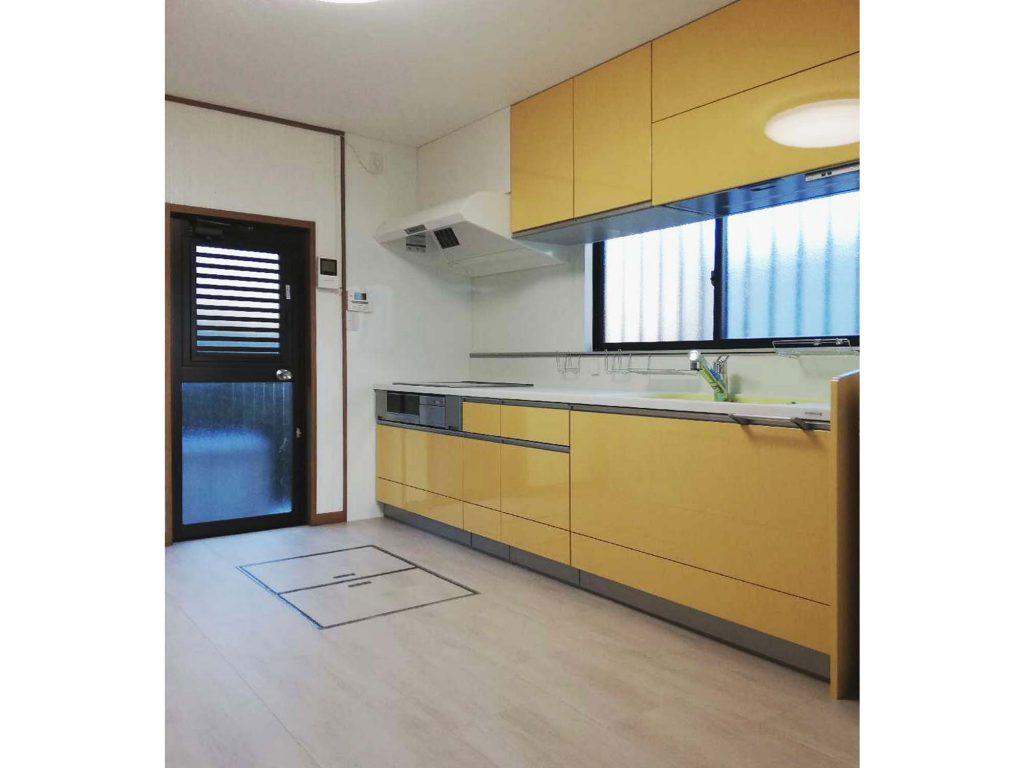 カラフルなキッチンで明るいお家にリフォーム♪