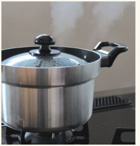 ガスでお米を炊く「炊飯鍋」