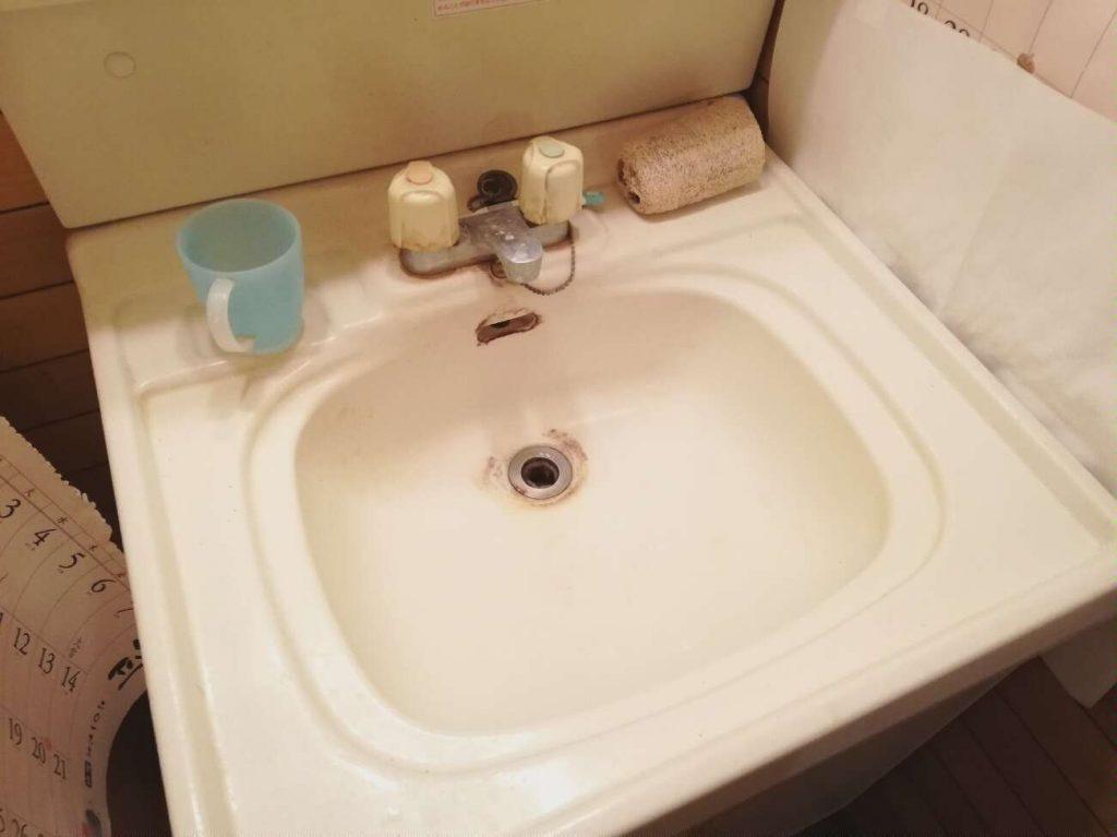 洗面台の幅を大きな商品に取替えました