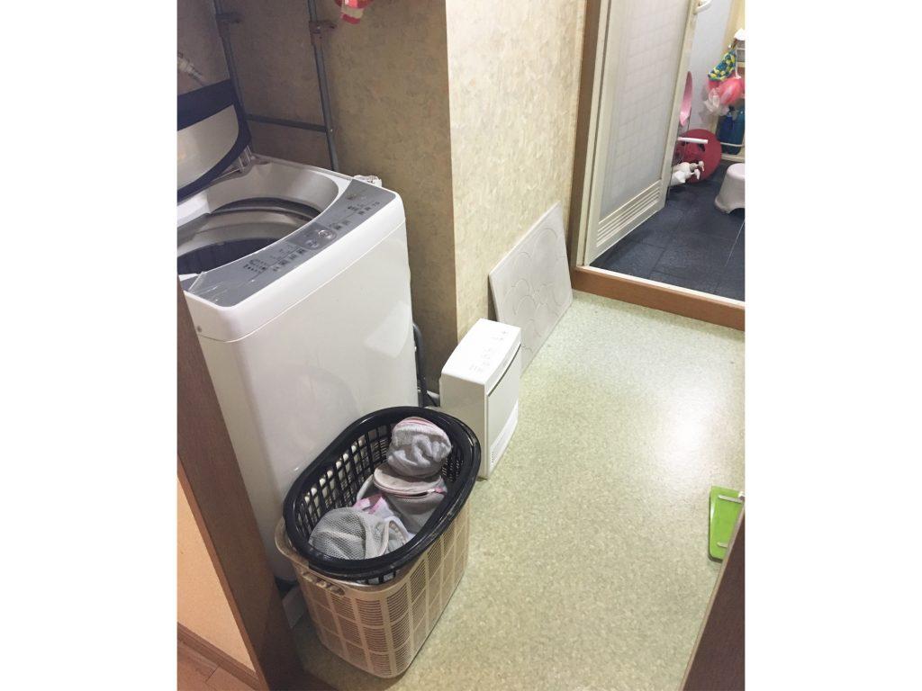個性的なクロスで高級感のある洗面脱衣室にリフォーム