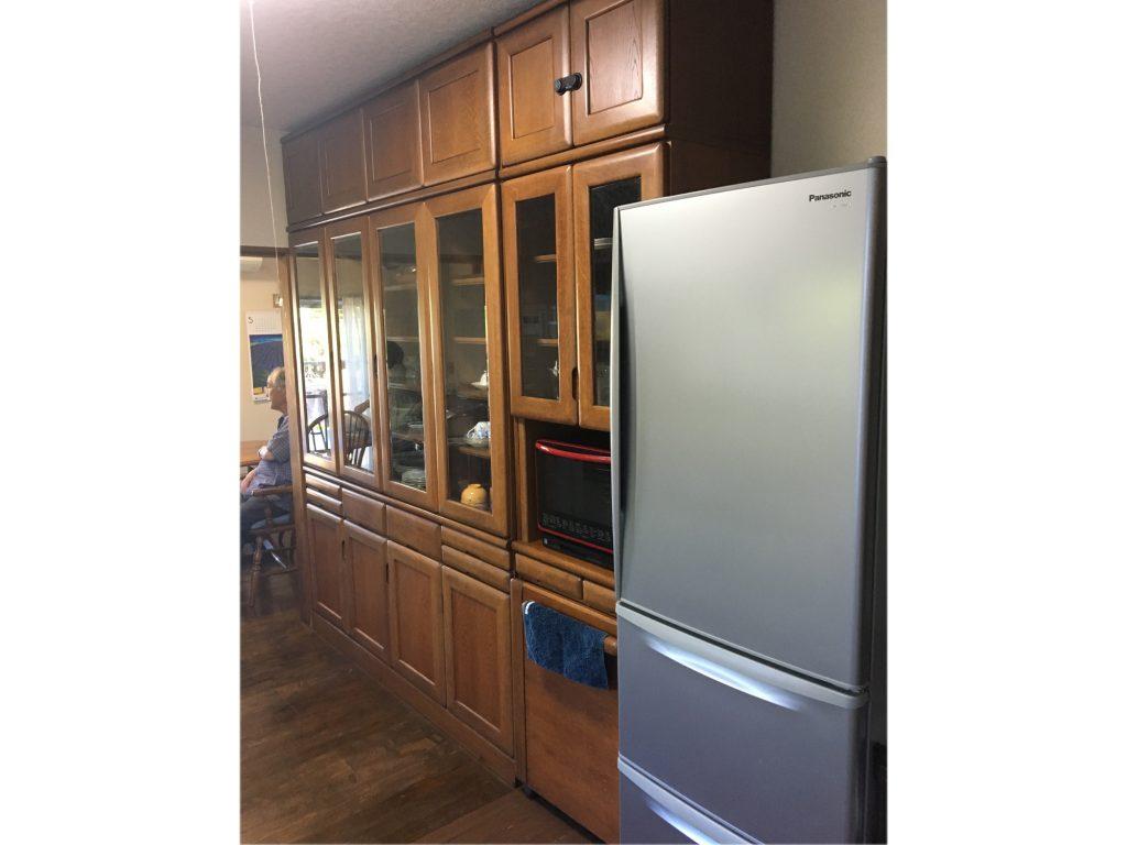 システムキッチンお取替え 床材上張りでキッチンの印象がガラッと変わりました♪