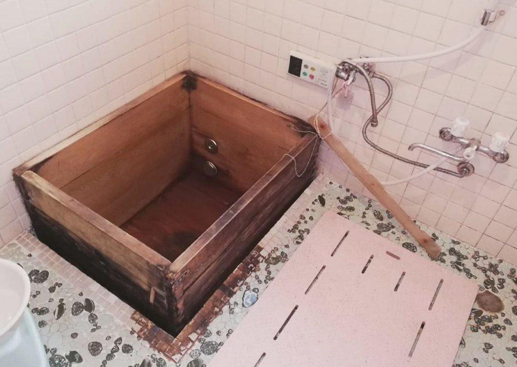 木桶のお風呂でリラックスタイム!木桶お取替え