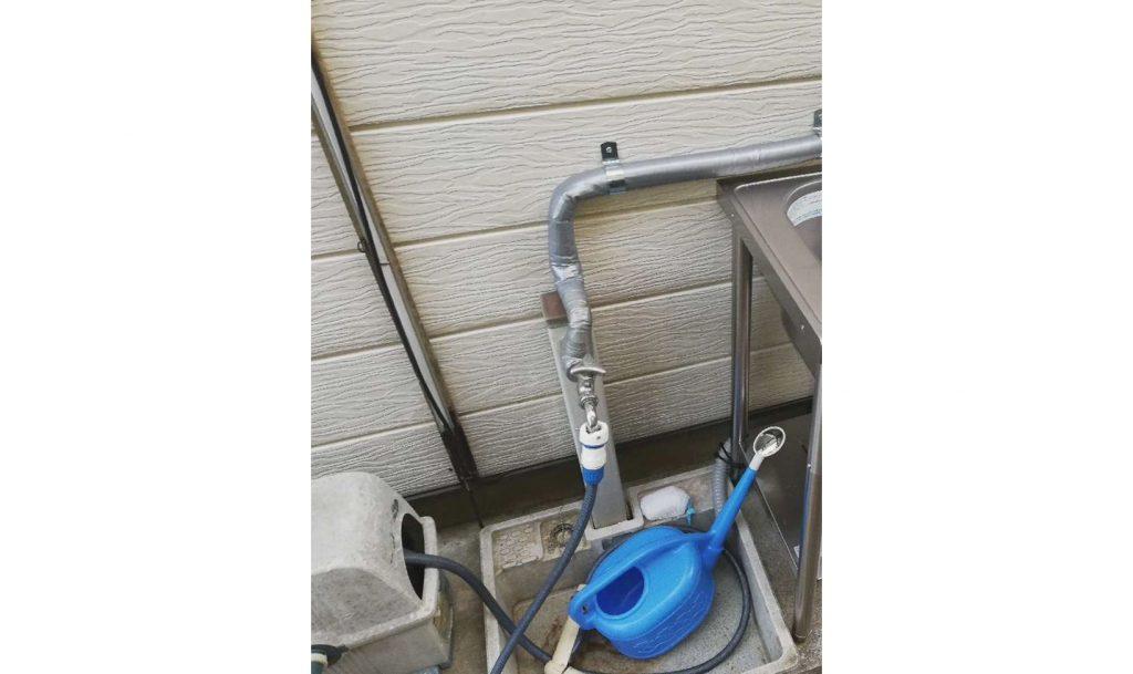 流し台付き水栓へお取替え!外の水作業も楽々に!