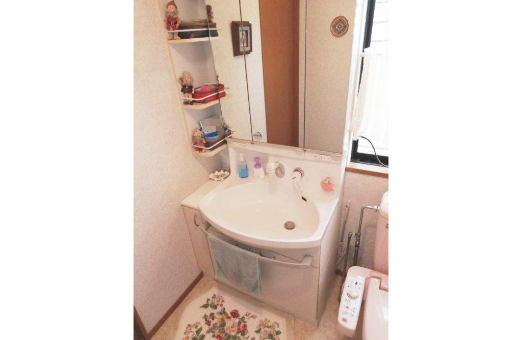 スッキリとした空間に生まれ変わりました!トイレと洗面台のお取替え♪