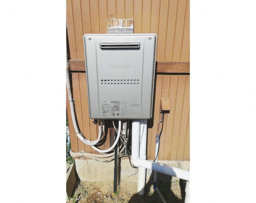 13年ほど使用した暖房給湯器をお取替え♪