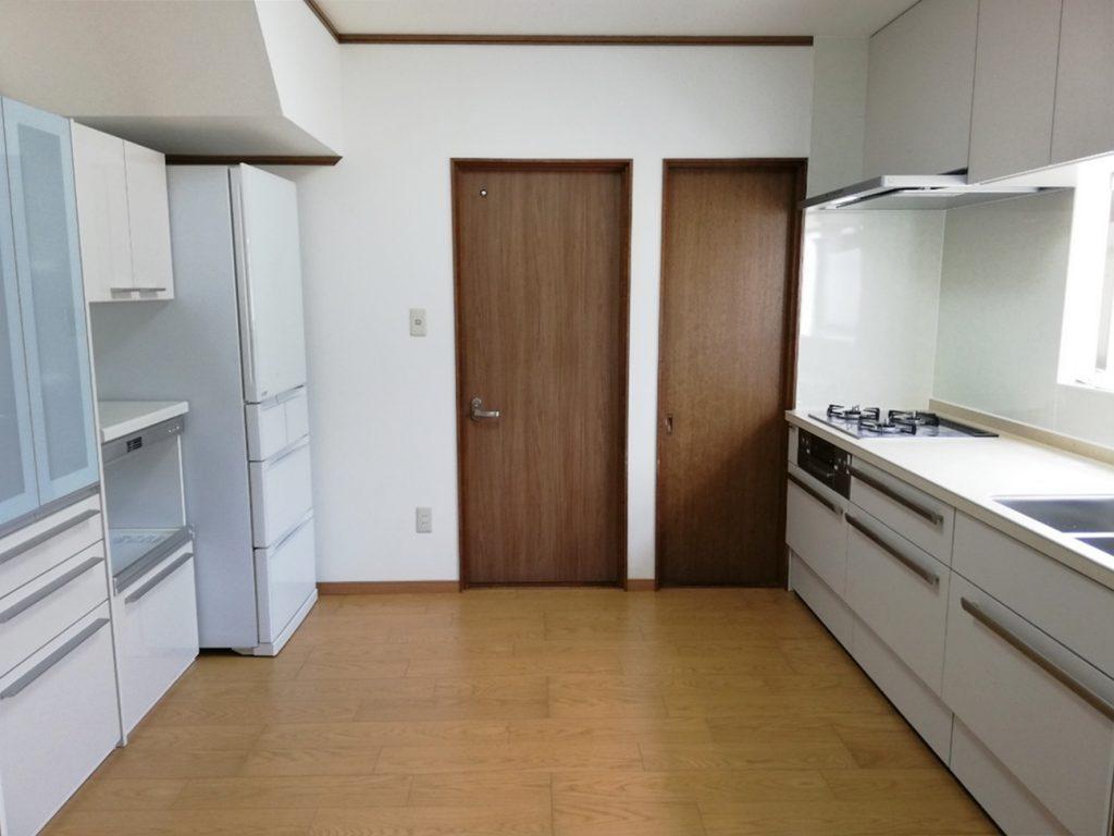 キッチン空間が明るい雰囲気に生まれ変わりました!