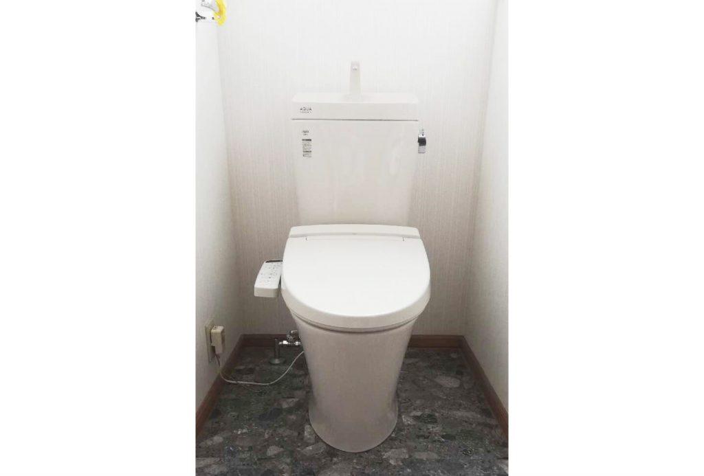 1階トイレに引き続き、2階トイレもお取替え!
