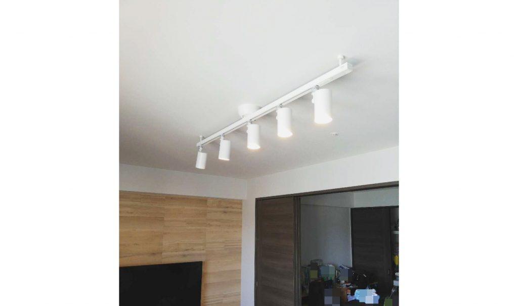 デザイン性を求めて…壁をエコカラットにして照明もお取替え♫