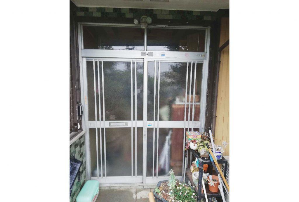 引戸の玄関ドアをお取替え♪